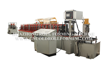 GUIDE ROLL FORMING MACHINE AND ANGLE ROLL FORMING MACHINE WITH QUICK CHANGE SYSTEM